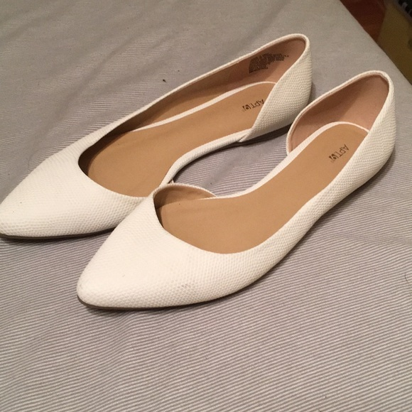 Apt. 9 Shoes   Womens Flat Shoes   Poshmark